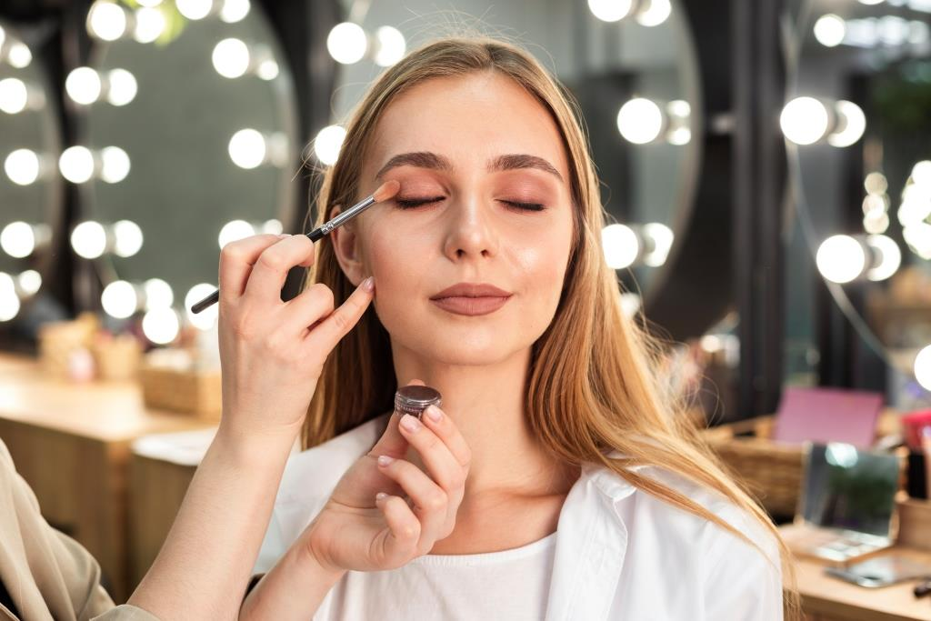 Pemakaian Make Up
