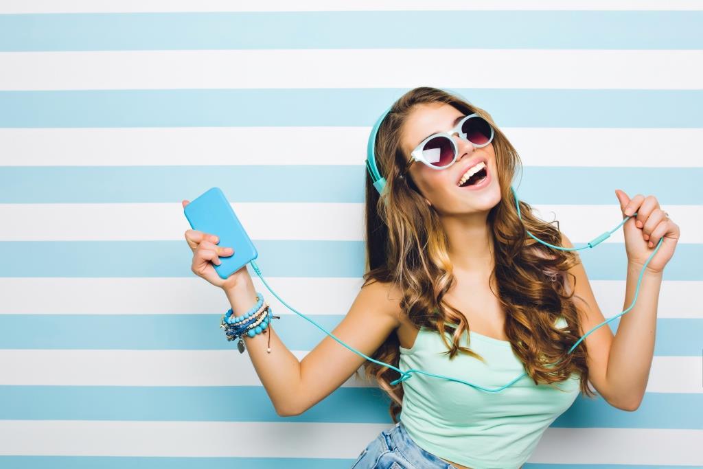 Cara Menghilangkan Jerawat dengan Menjaga Kebersihan Headphone